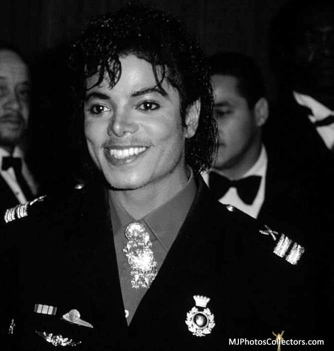 1986- The 28th Grammy Awards Gallery_9368_2673_151982